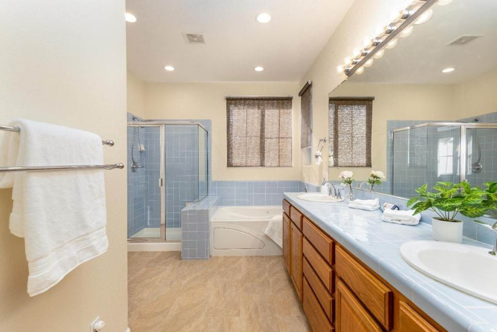 20. Residential for Sale at Dutch Elm Drive Hercules, California 94547 United States