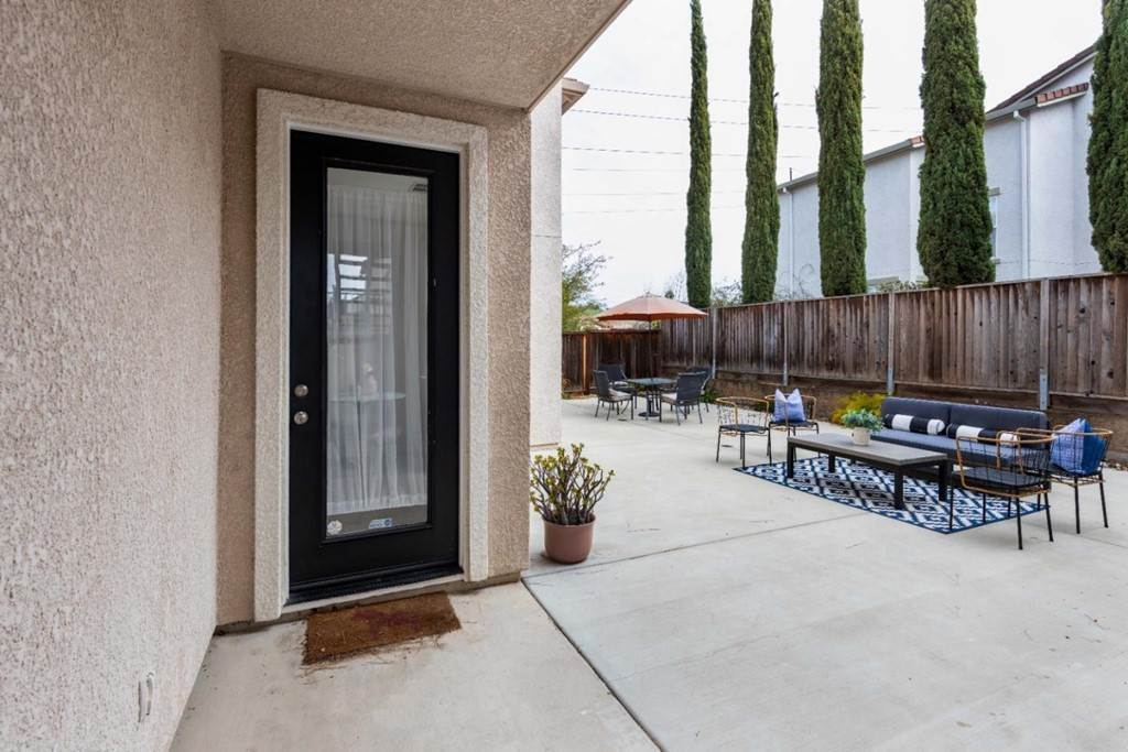 27. Residential for Sale at Dutch Elm Drive Hercules, California 94547 United States