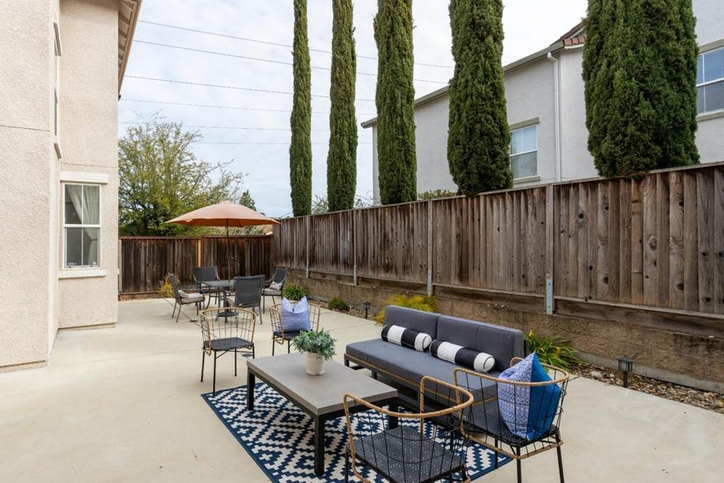 28. Residential for Sale at Dutch Elm Drive Hercules, California 94547 United States