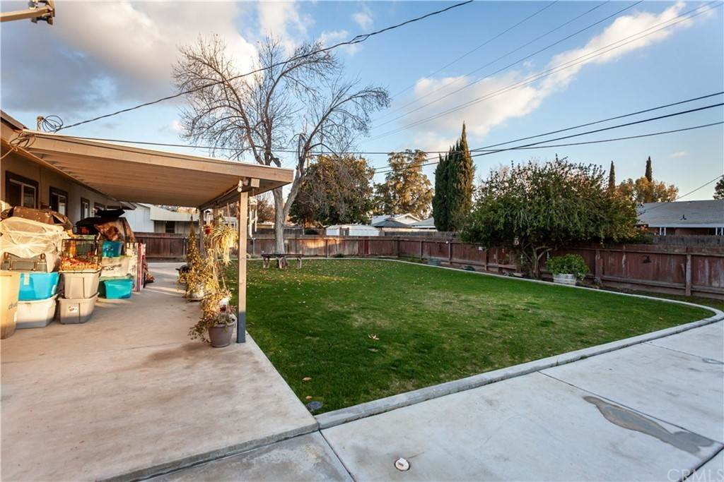 10. Residential for Sale at Oak Fair Way Bakersfield, California 93309 United States