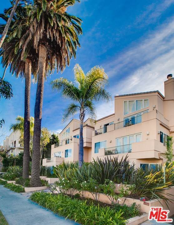 24. Residential for Sale at 4Th Street Santa Monica, California 90403 United States