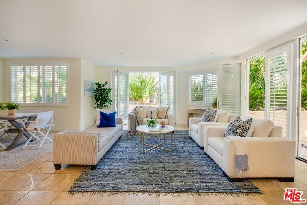 4. Residential for Sale at 4Th Street Santa Monica, California 90403 United States