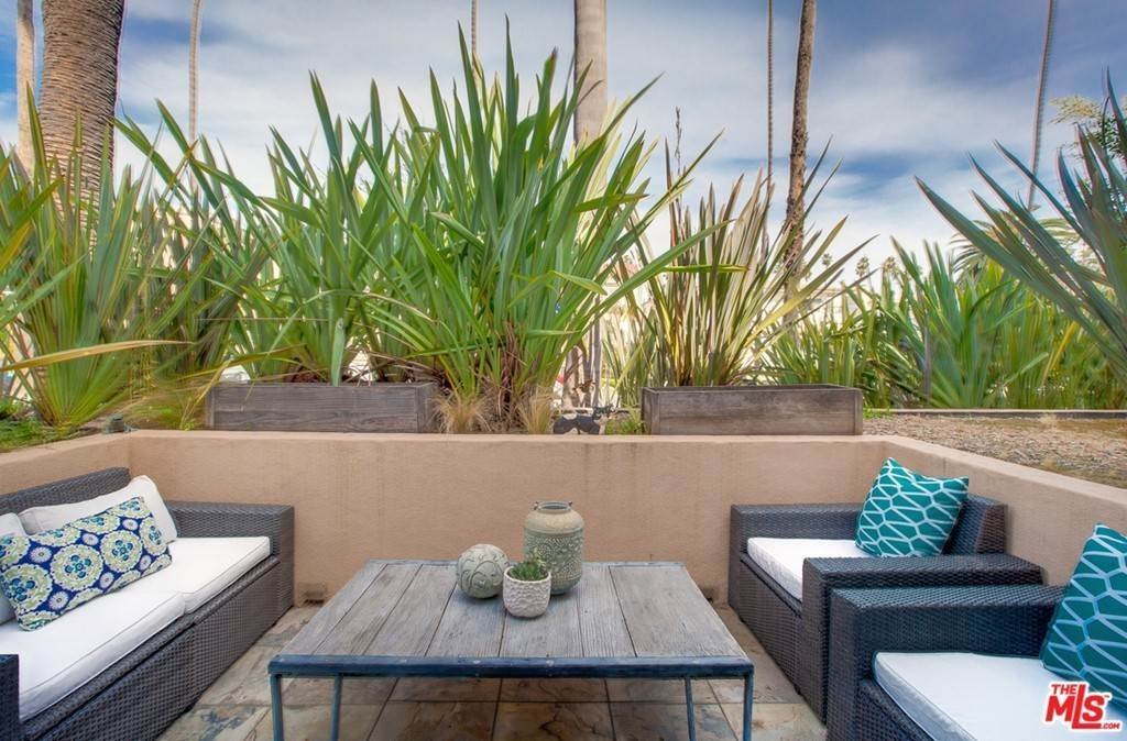 5. Residential for Sale at 4Th Street Santa Monica, California 90403 United States