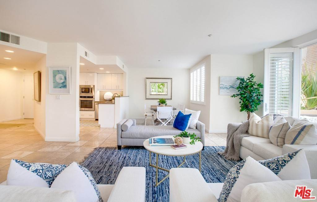 8. Residential for Sale at 4Th Street Santa Monica, California 90403 United States