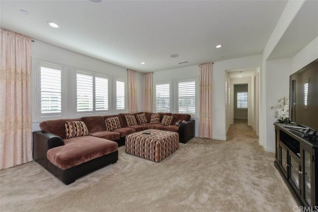 19. Residential for Sale at Bryce Run Lake Forest, California 92630 United States