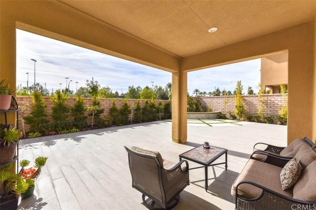 24. Residential for Sale at Bryce Run Lake Forest, California 92630 United States