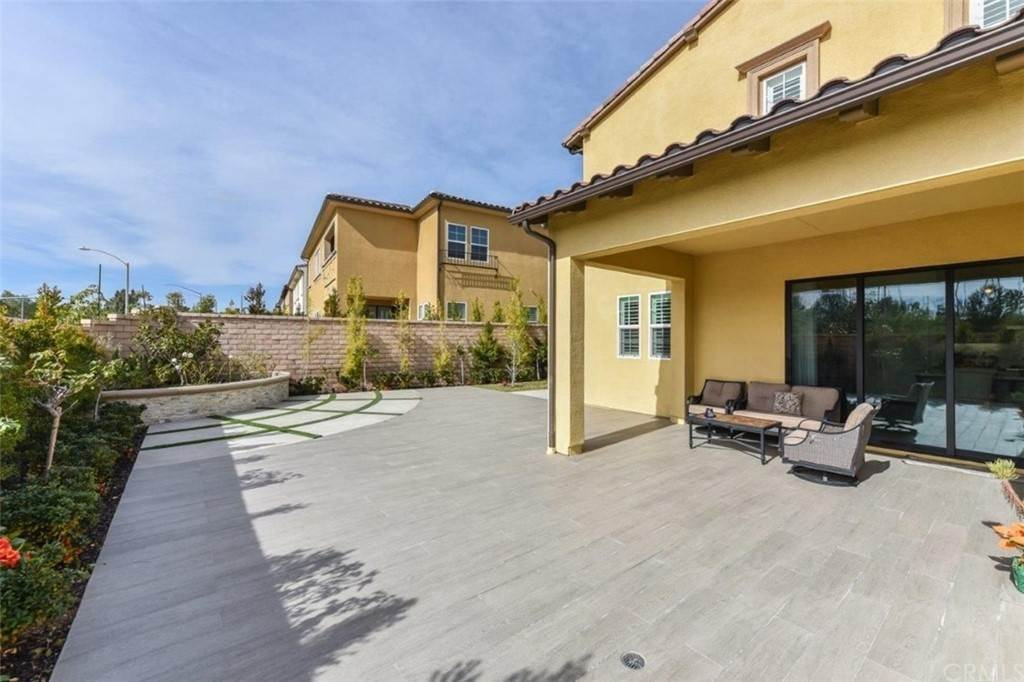 28. Residential for Sale at Bryce Run Lake Forest, California 92630 United States