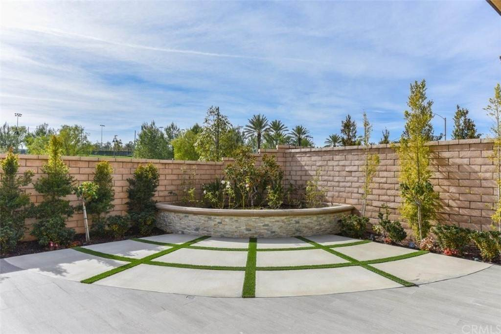 30. Residential for Sale at Bryce Run Lake Forest, California 92630 United States