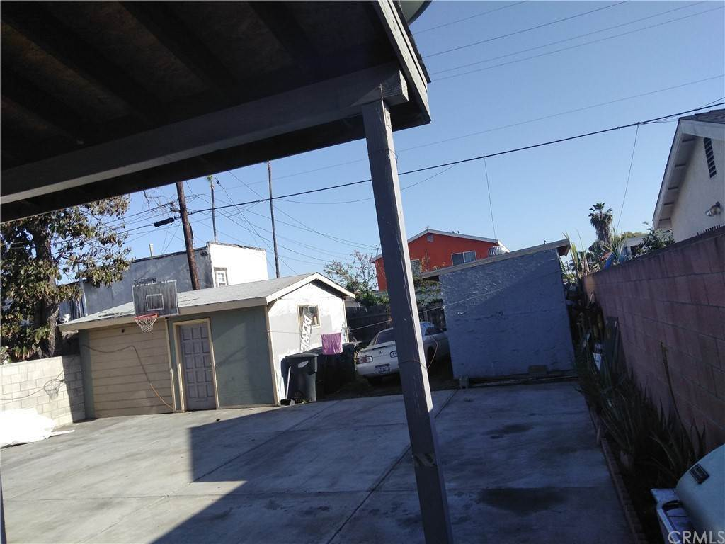 21. Residential for Sale at E 67th Street Los Angeles, California 90001 United States