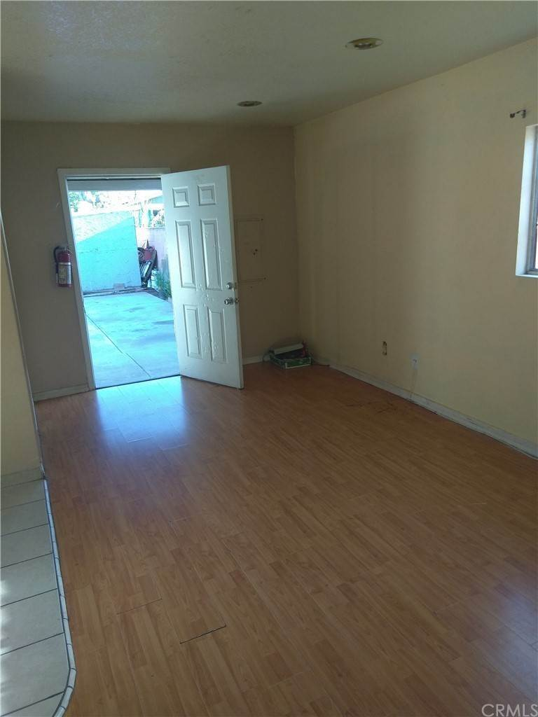 29. Residential for Sale at E 67th Street Los Angeles, California 90001 United States