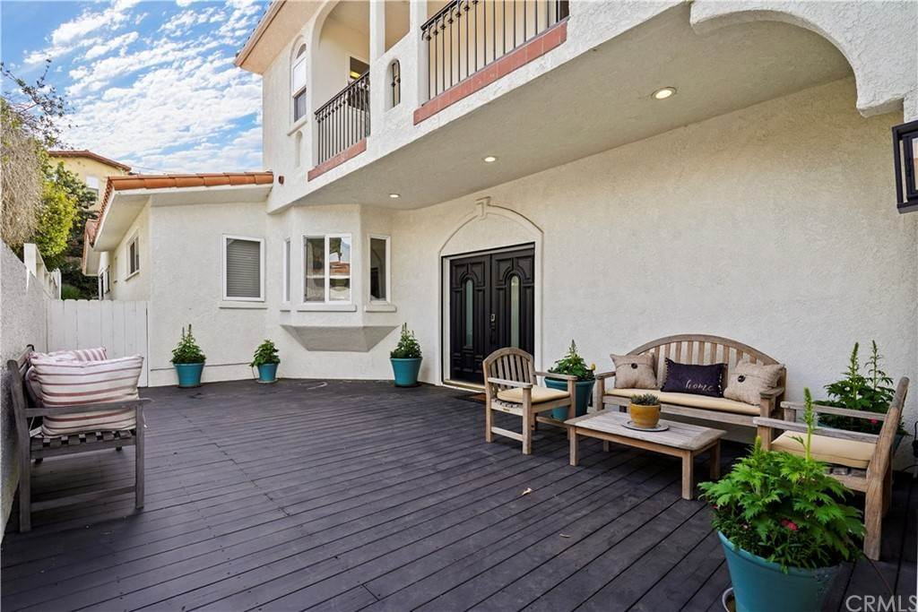 28. Residential for Sale at Rosecrans Avenue Manhattan Beach, California 90266 United States