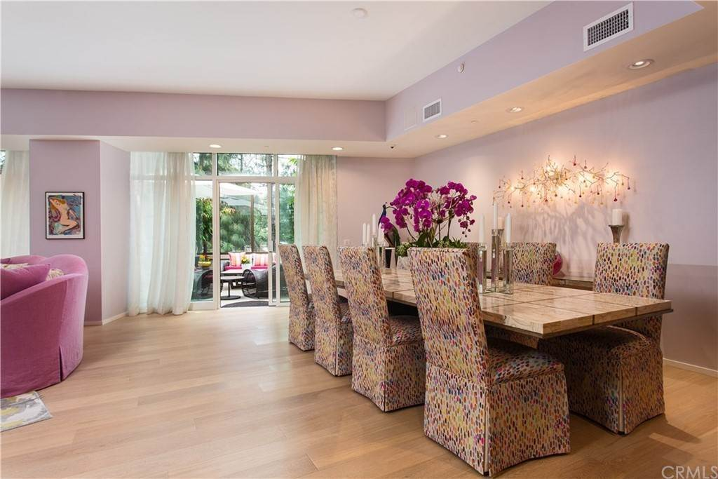 10. Residential for Sale at W Century Drive Los Angeles, California 90067 United States