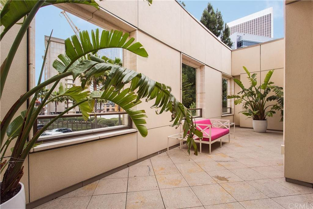 37. Residential for Sale at W Century Drive Los Angeles, California 90067 United States