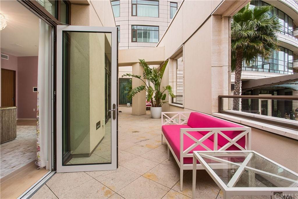 38. Residential for Sale at W Century Drive Los Angeles, California 90067 United States