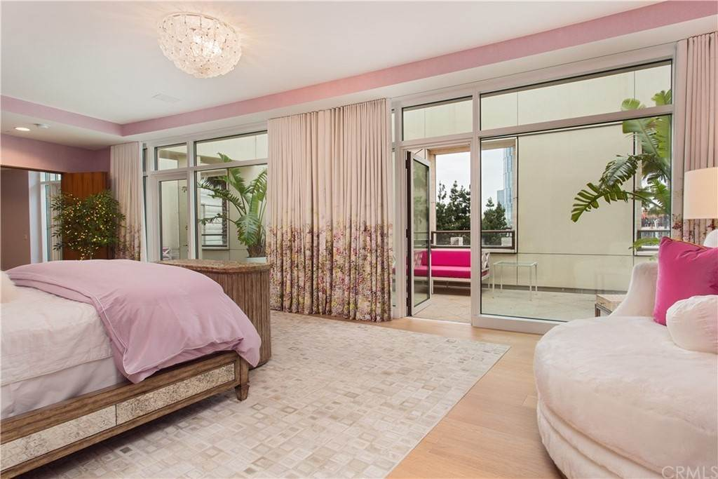 39. Residential for Sale at W Century Drive Los Angeles, California 90067 United States