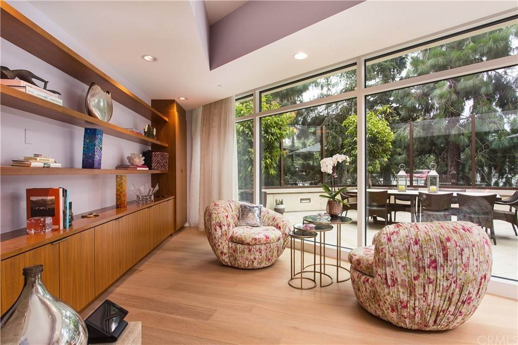 6. Residential for Sale at W Century Drive Los Angeles, California 90067 United States