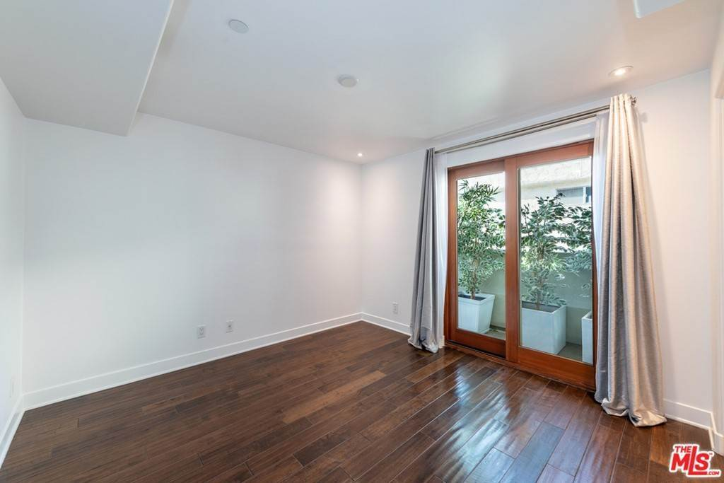 16. Residential Lease at 16Th Street Santa Monica, California 90403 United States