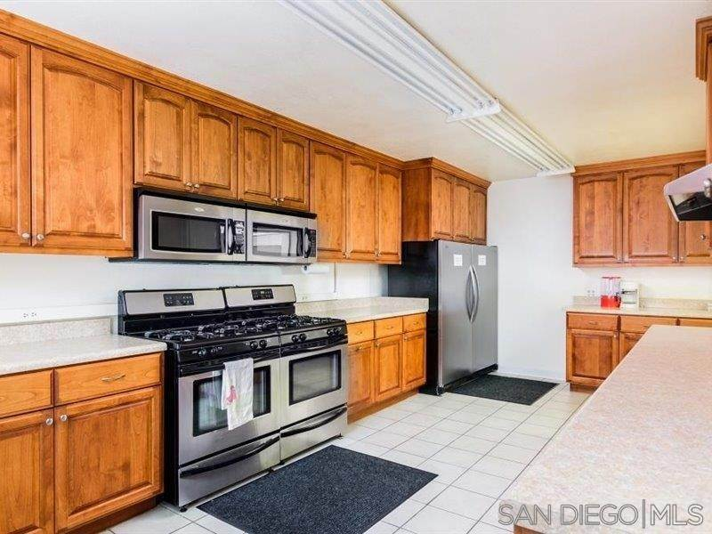 36. Residential for Sale at Horizon Oceanside, California 92056 United States
