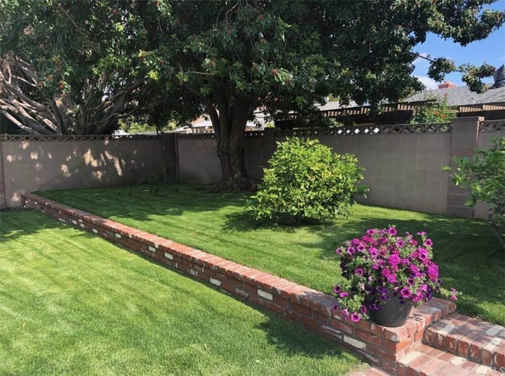 9. Residential for Sale at Santa Rita Avenue Garden Grove, California 92845 United States