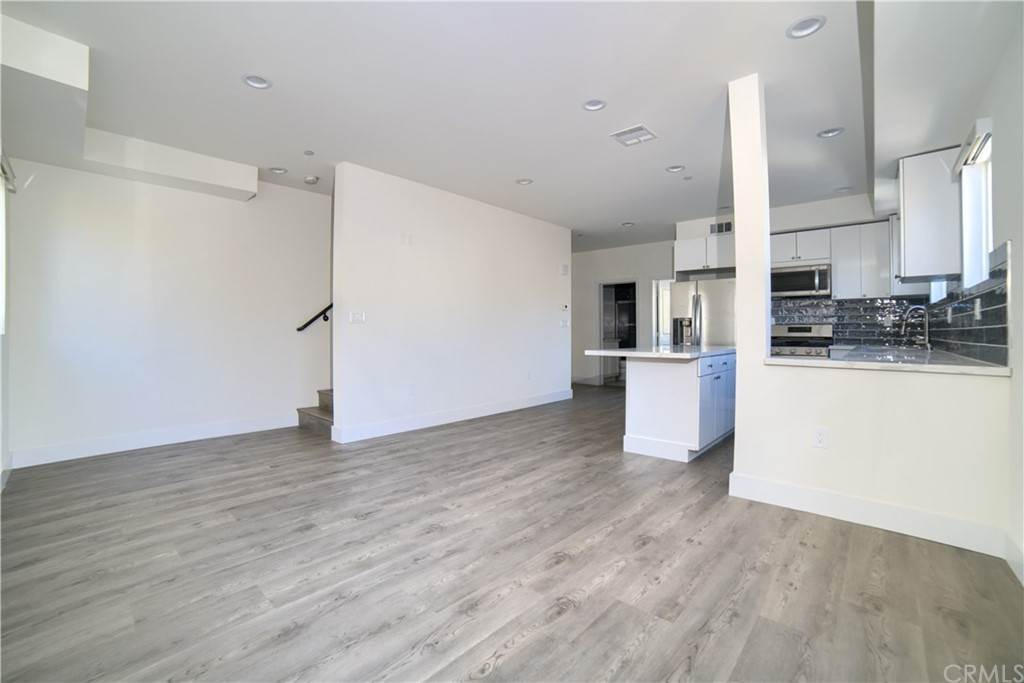 4. Residential Lease at W 12th Street Los Angeles, California 90015 United States