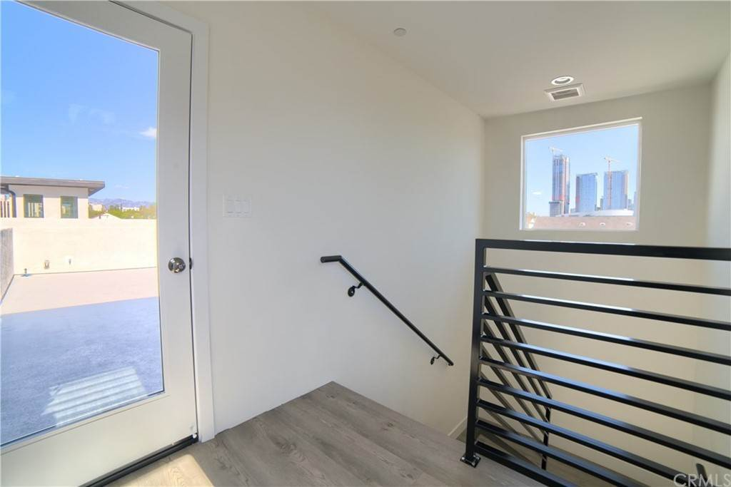 9. Residential Lease at W 12th Street Los Angeles, California 90015 United States