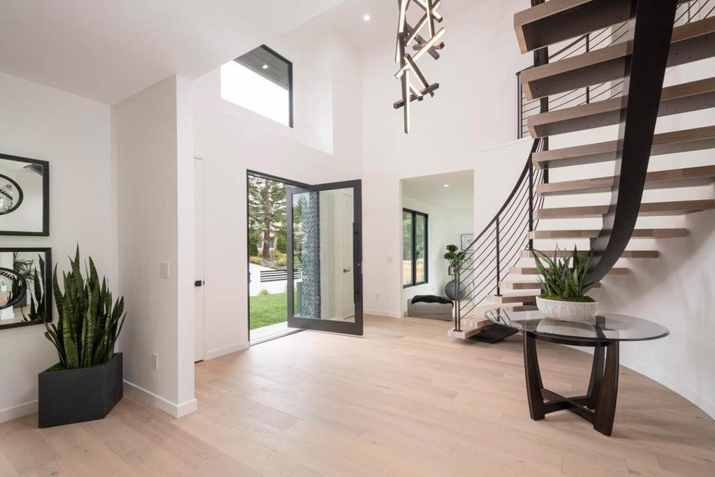8. Residential for Sale at Crystal Drive Hillsborough, California 94010 United States