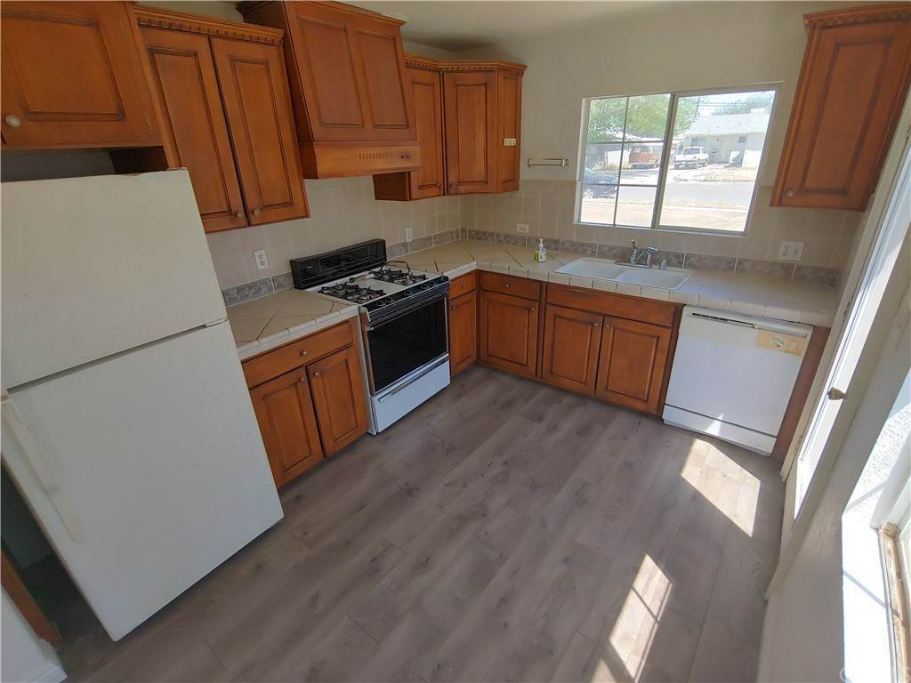 10. Residential for Sale at 3rd Street E Lancaster, California 93535 United States