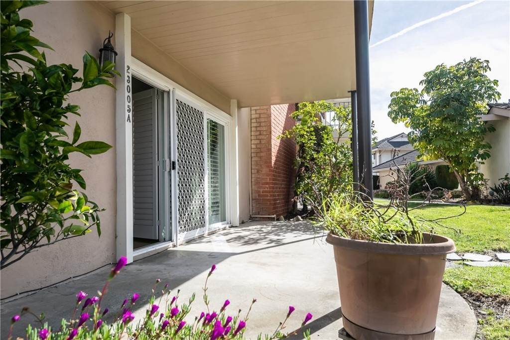 17. Residential for Sale at Maple Avenue Torrance, California 90505 United States