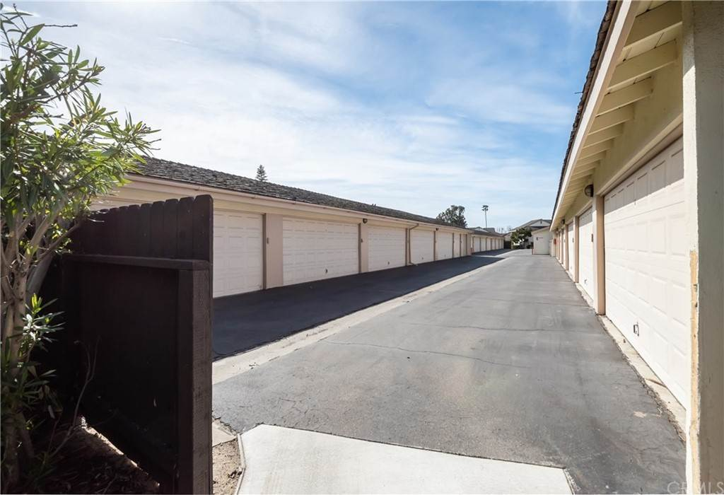 20. Residential for Sale at Maple Avenue Torrance, California 90505 United States