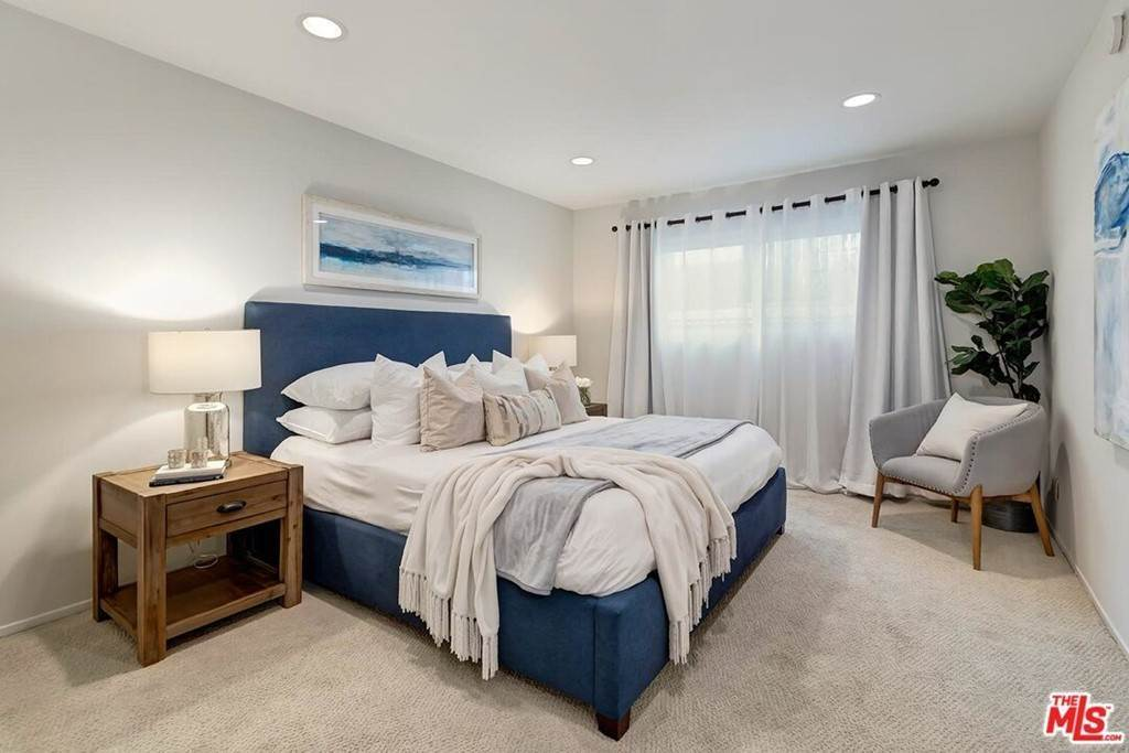 10. Residential for Sale at Sawtelle Boulevard Los Angeles, California 90064 United States