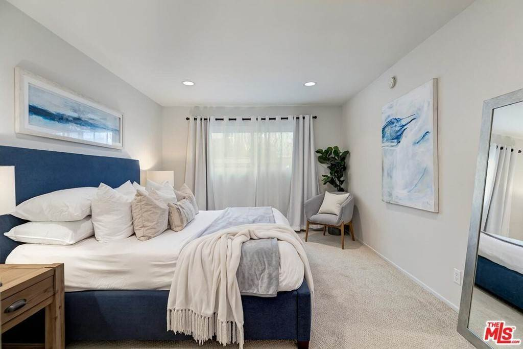 12. Residential for Sale at Sawtelle Boulevard Los Angeles, California 90064 United States