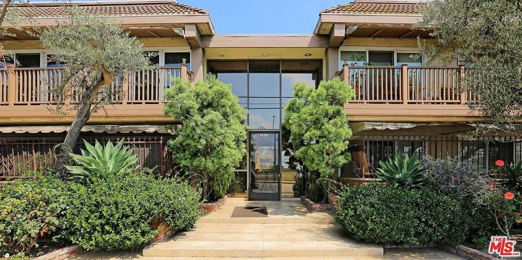 18. Residential for Sale at Sawtelle Boulevard Los Angeles, California 90064 United States