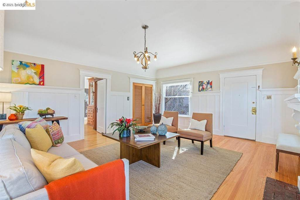 13. Residential for Sale at Valley Street Berkeley, California 94702 United States