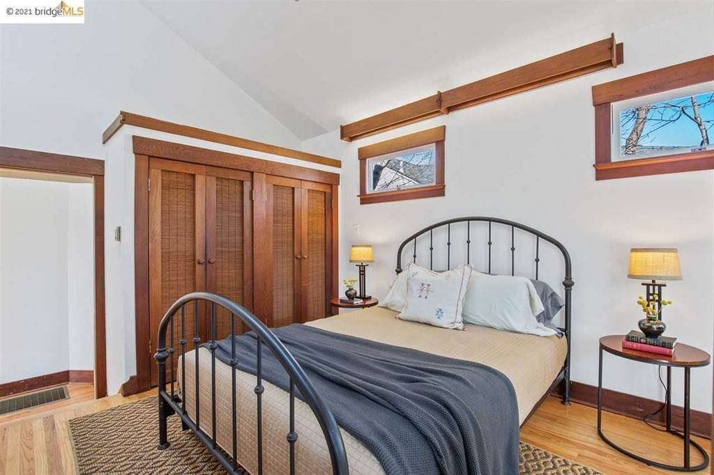 24. Residential for Sale at Valley Street Berkeley, California 94702 United States