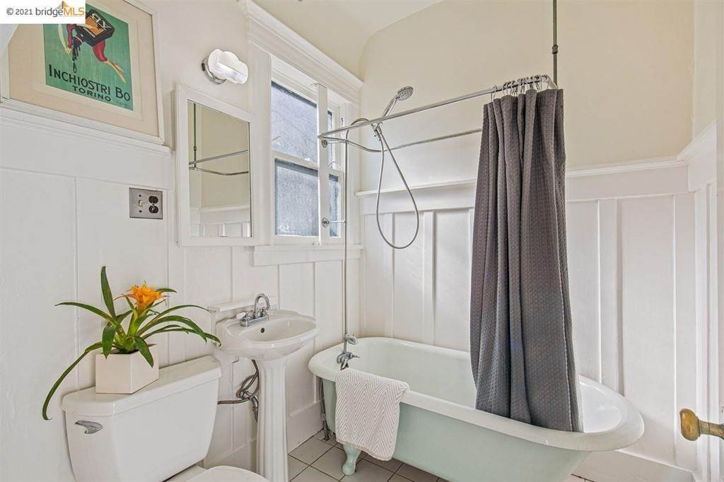 29. Residential for Sale at Valley Street Berkeley, California 94702 United States