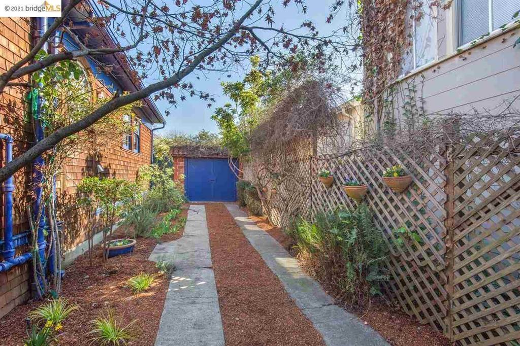 30. Residential for Sale at Valley Street Berkeley, California 94702 United States