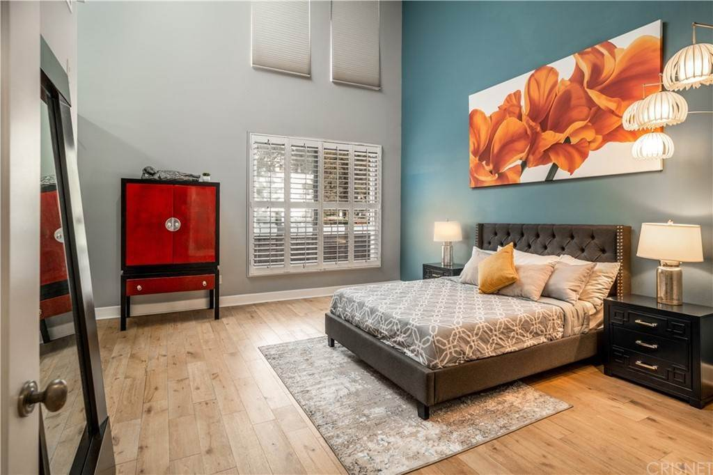 17. Residential for Sale at Chenault Street Los Angeles, California 90049 United States