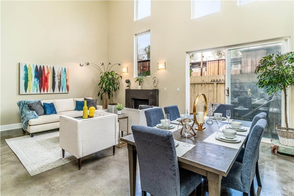 3. Residential for Sale at Chenault Street Los Angeles, California 90049 United States