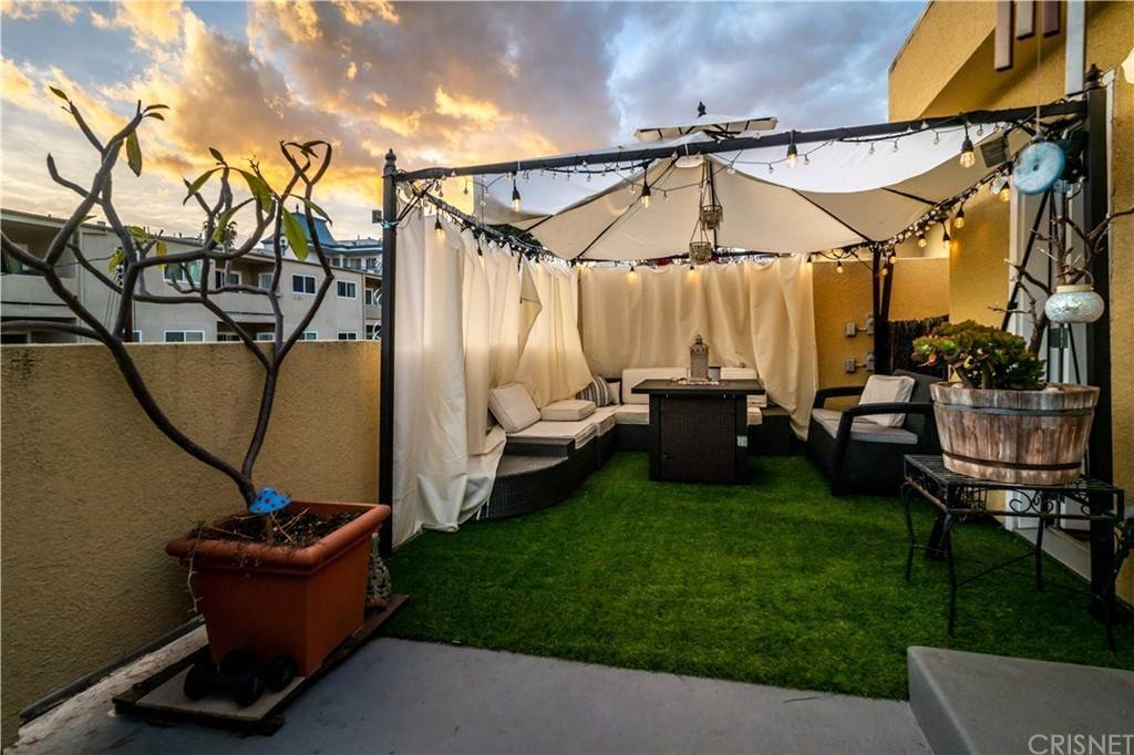 31. Residential for Sale at Chenault Street Los Angeles, California 90049 United States