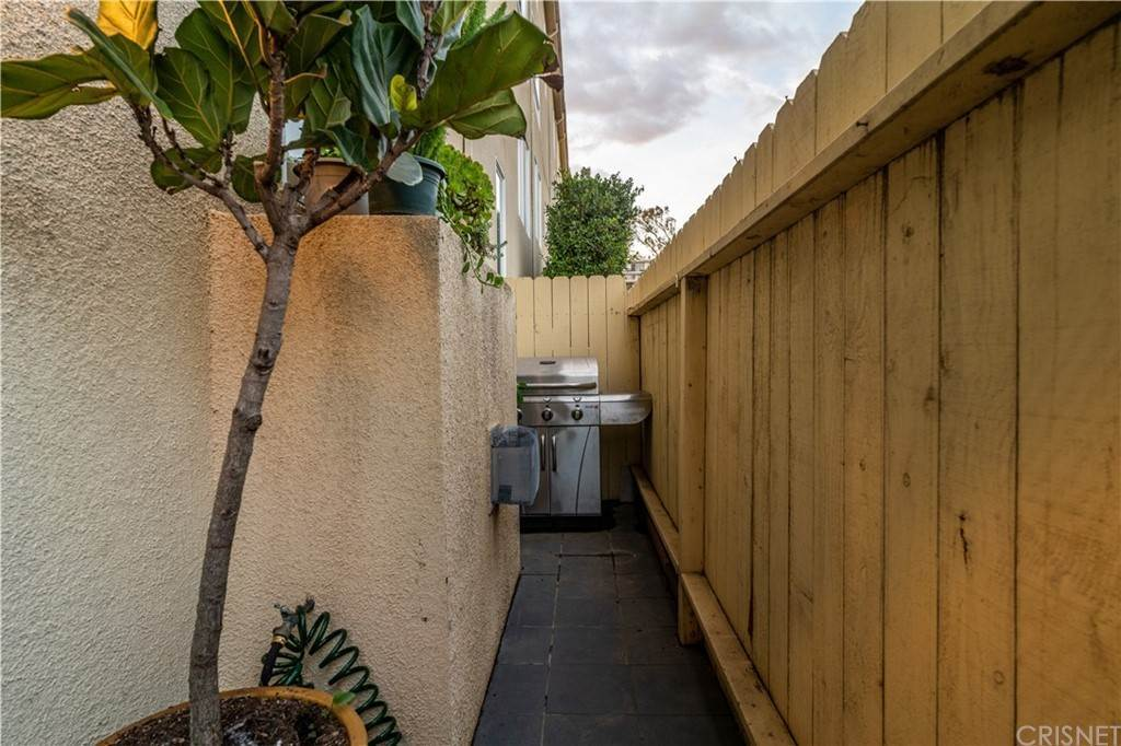 35. Residential for Sale at Chenault Street Los Angeles, California 90049 United States