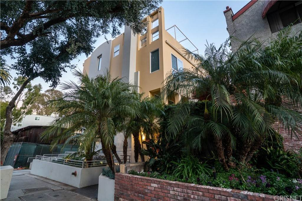 39. Residential for Sale at Chenault Street Los Angeles, California 90049 United States