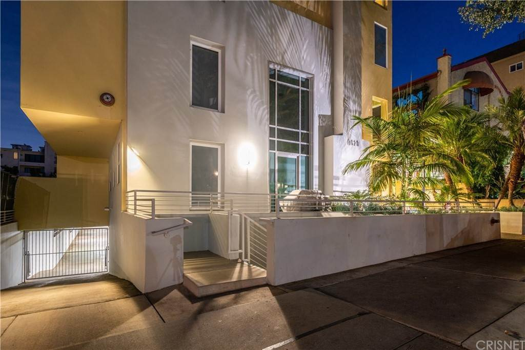 47. Residential for Sale at Chenault Street Los Angeles, California 90049 United States