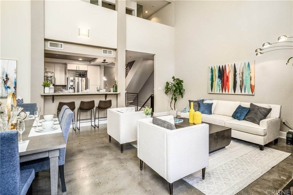 6. Residential for Sale at Chenault Street Los Angeles, California 90049 United States