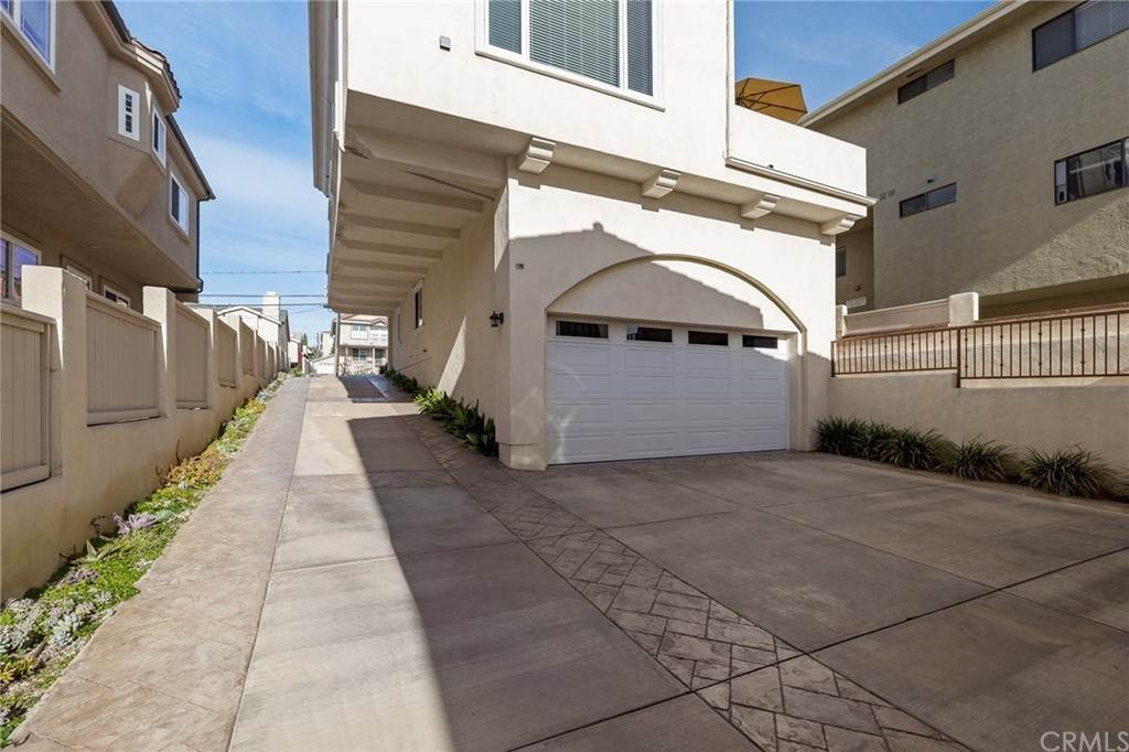11. Residential for Sale at N Juanita Avenue Redondo Beach, California 90277 United States