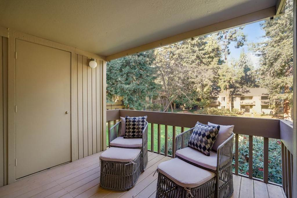12. Residential for Sale at Cypress Point Drive Mountain View, California 94043 United States