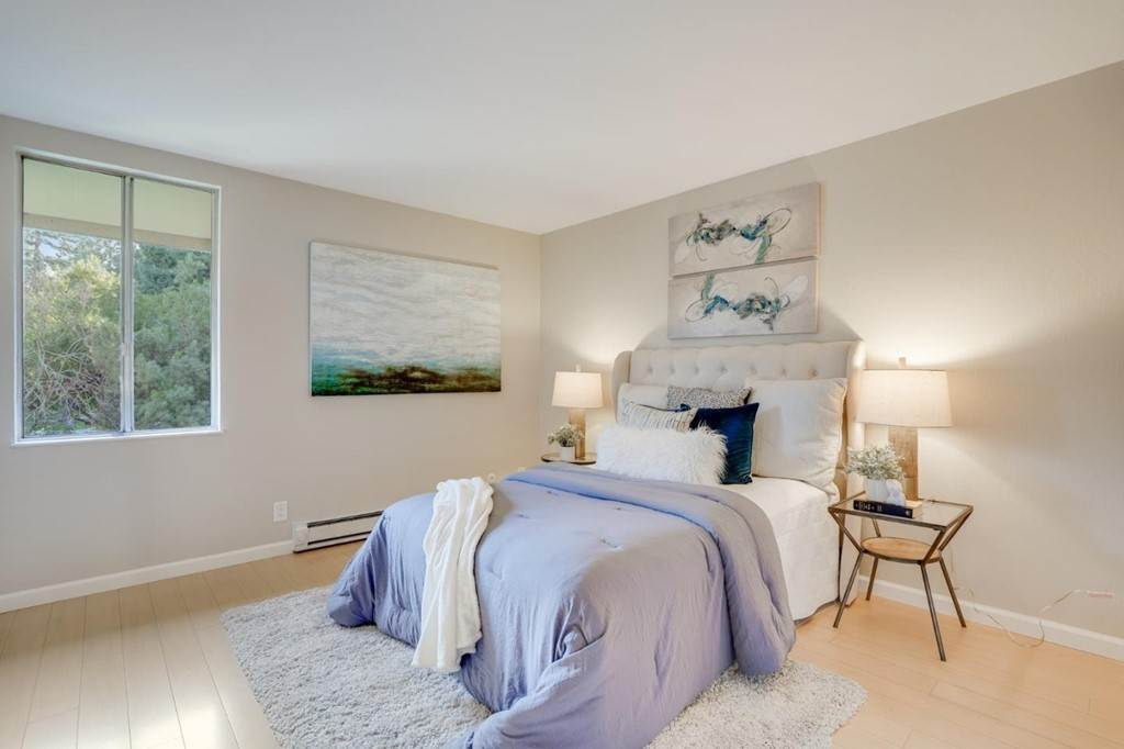 14. Residential for Sale at Cypress Point Drive Mountain View, California 94043 United States