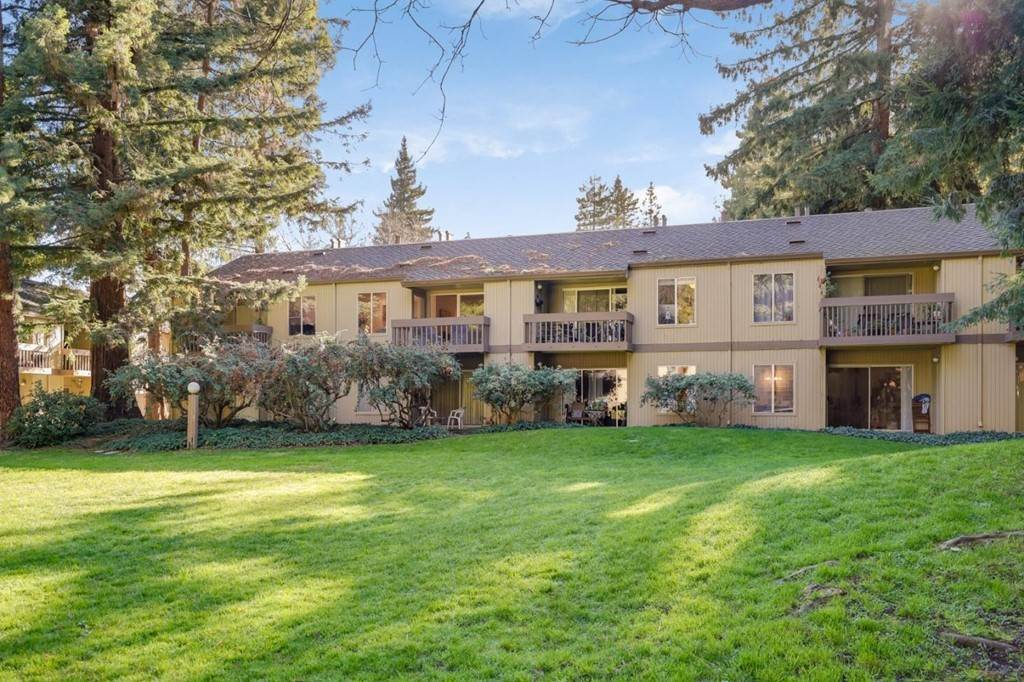 18. Residential for Sale at Cypress Point Drive Mountain View, California 94043 United States