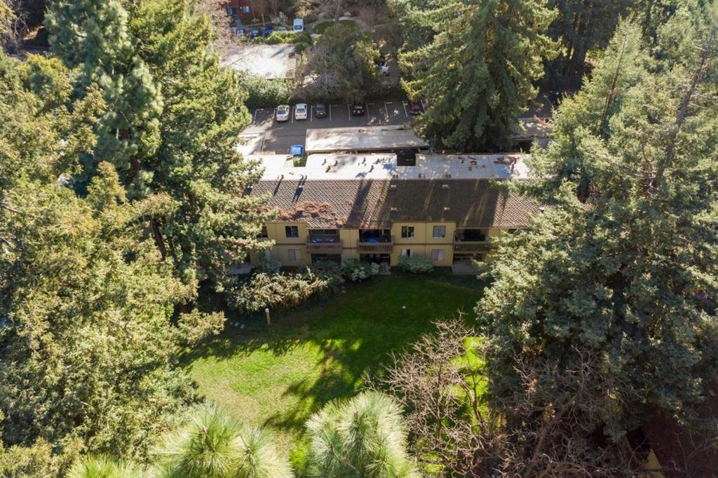 21. Residential for Sale at Cypress Point Drive Mountain View, California 94043 United States