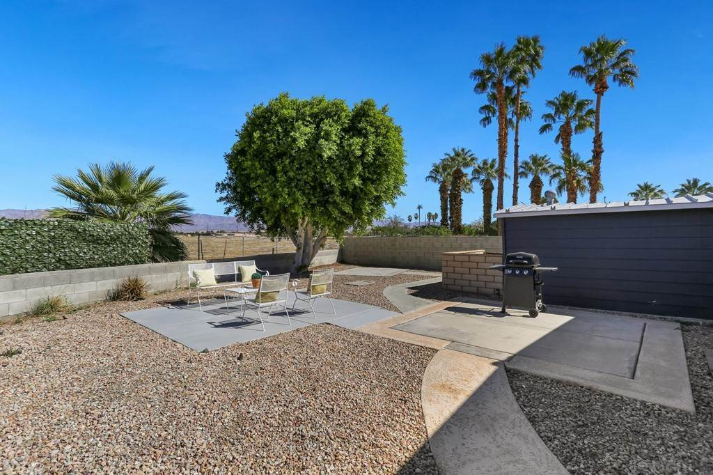 30. Single Family Homes for Sale at Desert Greens Drive E Palm Desert, California 92260 United States