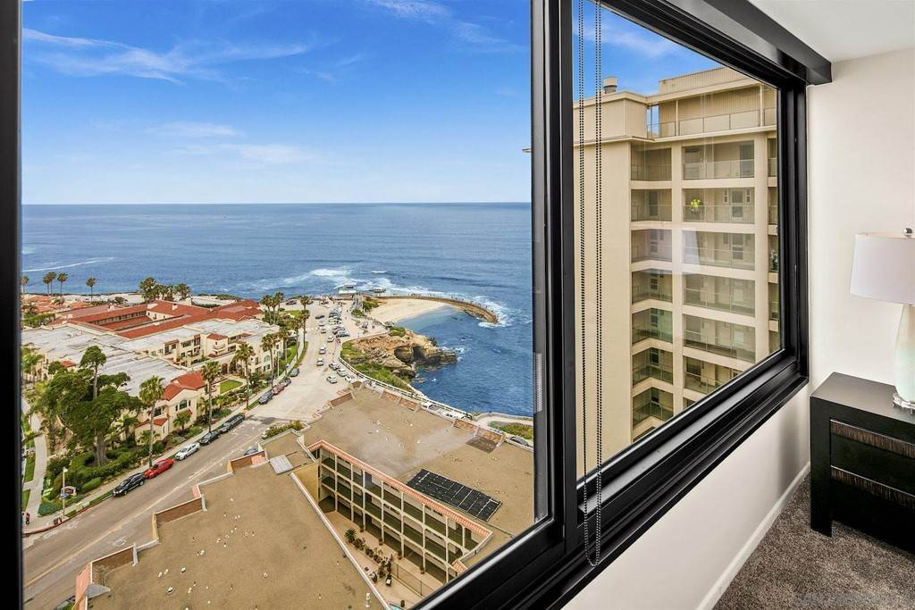 22. Residential Lease for Sale at Coast Blvd La Jolla, California 92037 United States